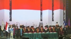 Suasana Wisuda Sulung STT Global Glow Indonesia