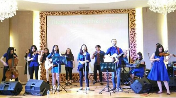 Blue Fire Praise Concert: Generasi Akhir Zaman Pembawa 'Api Biru'