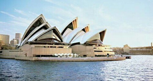 Sepertiga Warga Australia Tidak Punya Agama, Bagaimana Kristen?