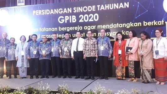 Ketua MPR RI bersama Bupati Bogor, Ketum Sinode GPIB, Ketua Panitia Pelaksana PST GPIB 2020 bersama jajaran pengurus GPIB